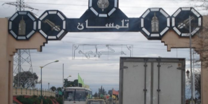 dix immigr s marocains arr t s par l arm e alg rienne h24info. Black Bedroom Furniture Sets. Home Design Ideas