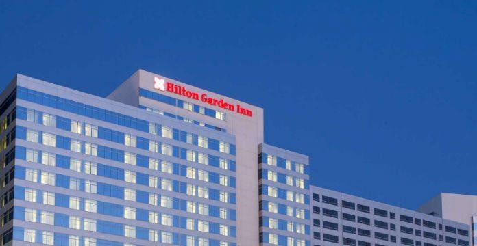 Le groupe h telier hilton ouvre un nouveau bureau for Groupe hotelier