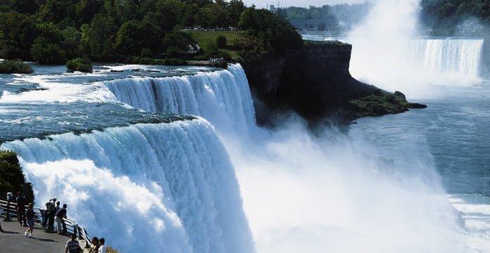 Le plongeur des chutes du Niagara est mort
