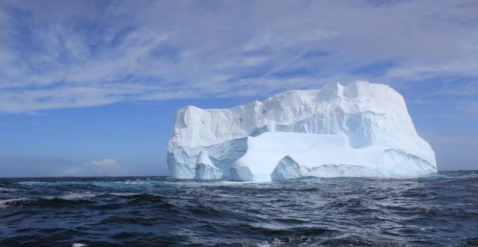 Antarctique : un des plus icebergs jamais observés s'est formé