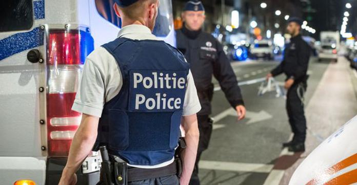Attaque au couteau contre deux militaires, l'assaillant décédé — Bruxelles
