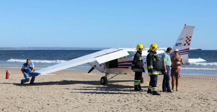 Il atterrit sur une plage du Portugal : deux morts