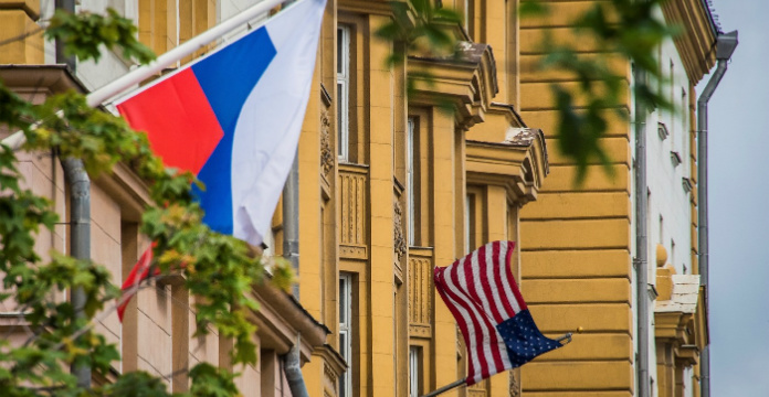 Les États-Unis suspendent l'octroi de visas d'entrée aux Russes