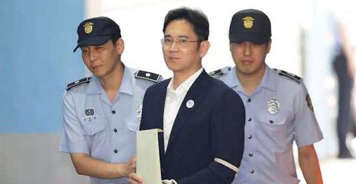 L'héritier de Samsung prend 5 ans de prison