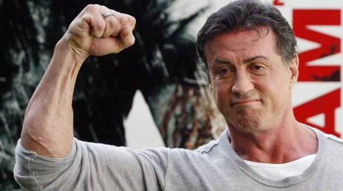 Sylvester Stallone accusé d'agression sexuelle par une adolescente de 16 ans