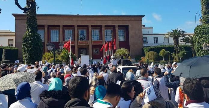 """Résultat de recherche d'images pour """"Marches devant le parlement Marocain"""""""