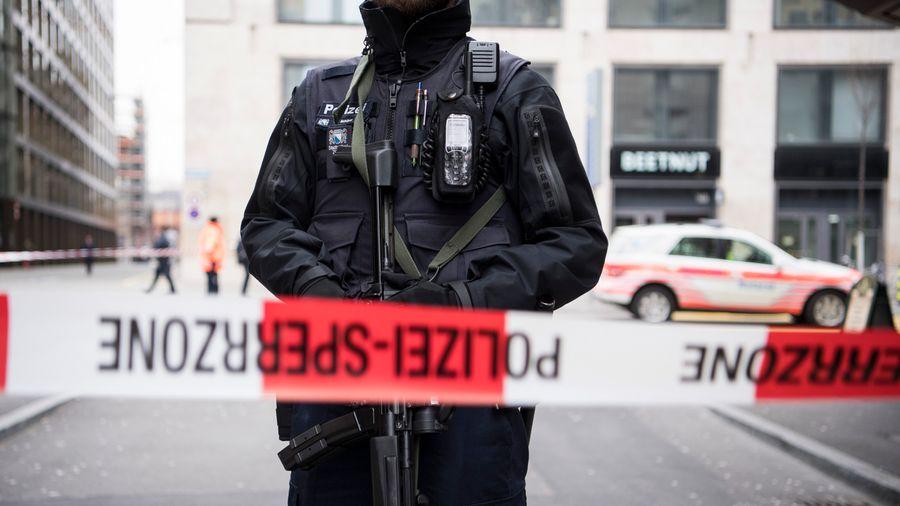 LEAD Coups de feu devant une banque en Suisse : deux morts