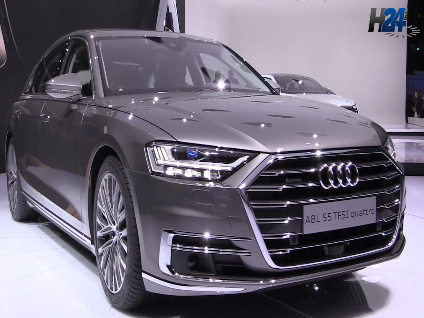 vid o l 39 audi a8 en vedette l 39 auto expo 2018 h24info. Black Bedroom Furniture Sets. Home Design Ideas