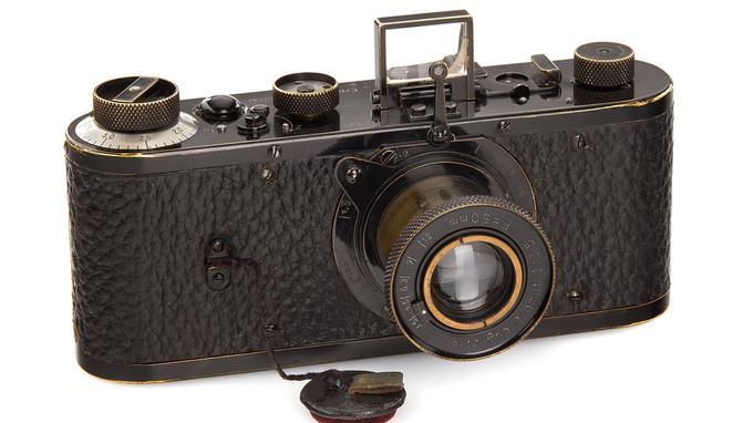 2,4 millions d'euros, record du monde pour un appareil photographique Leica