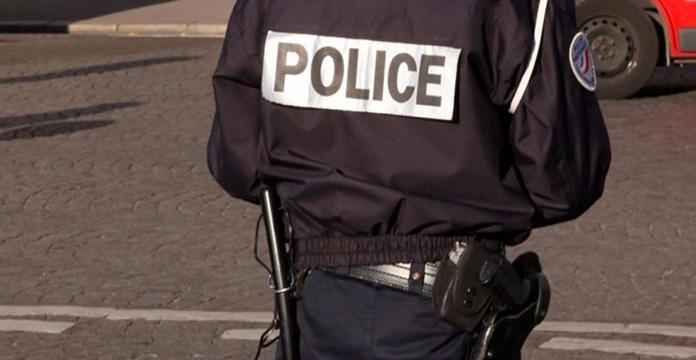 Une femme s'empare de l'arme d'un policier — Marseille