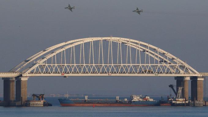 La Russie s'empare de trois navires militaires ukrainiens