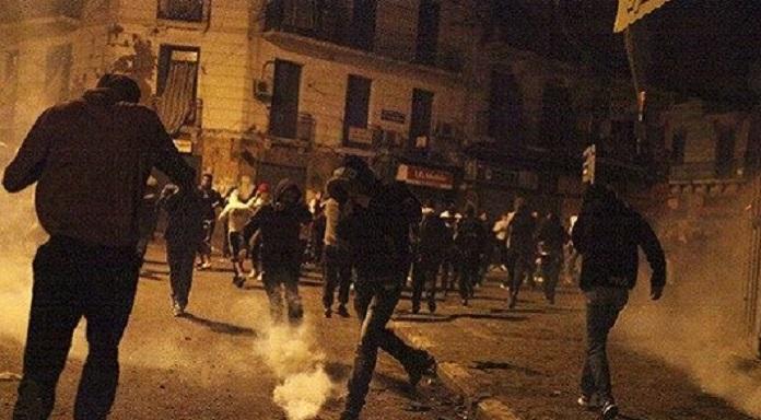 Affrontements de Bab El Oued : 10 policiers blessés et 30 personnes arrêtées