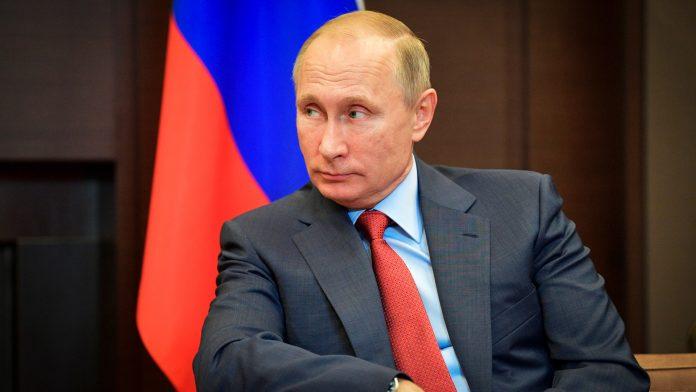 Il se lance en guerre contre le rap — Poutine