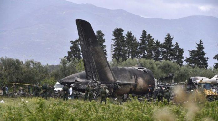 Algérie: deux officiers tués dans l'accident d'un avion de combat
