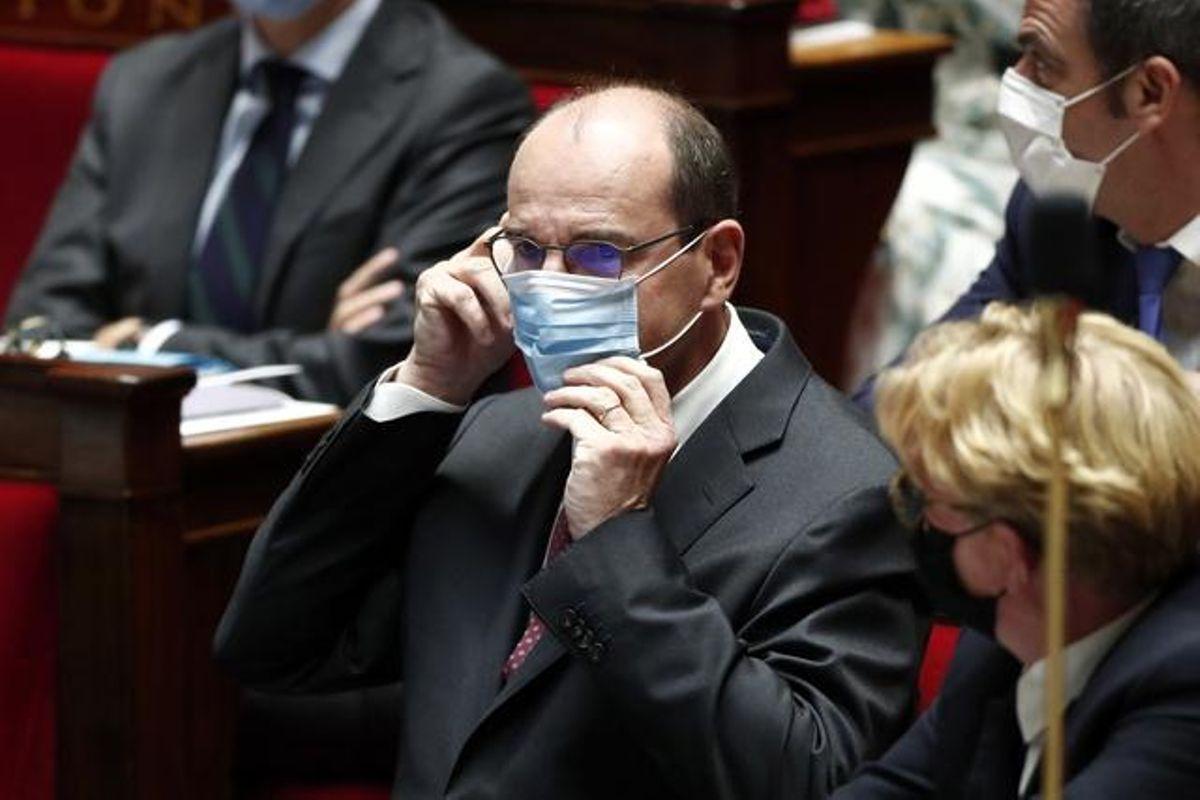 Le masque obligatoire dès lundi en France dans les lieux clos