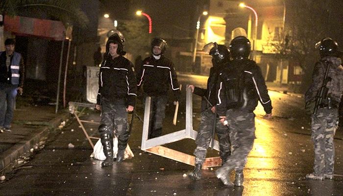 Des dizaines d'arrestations après des troubles nocturnes — Tunisie