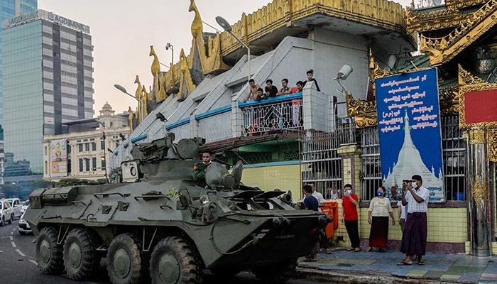 L'armée met en garde les protestataires — Birmanie